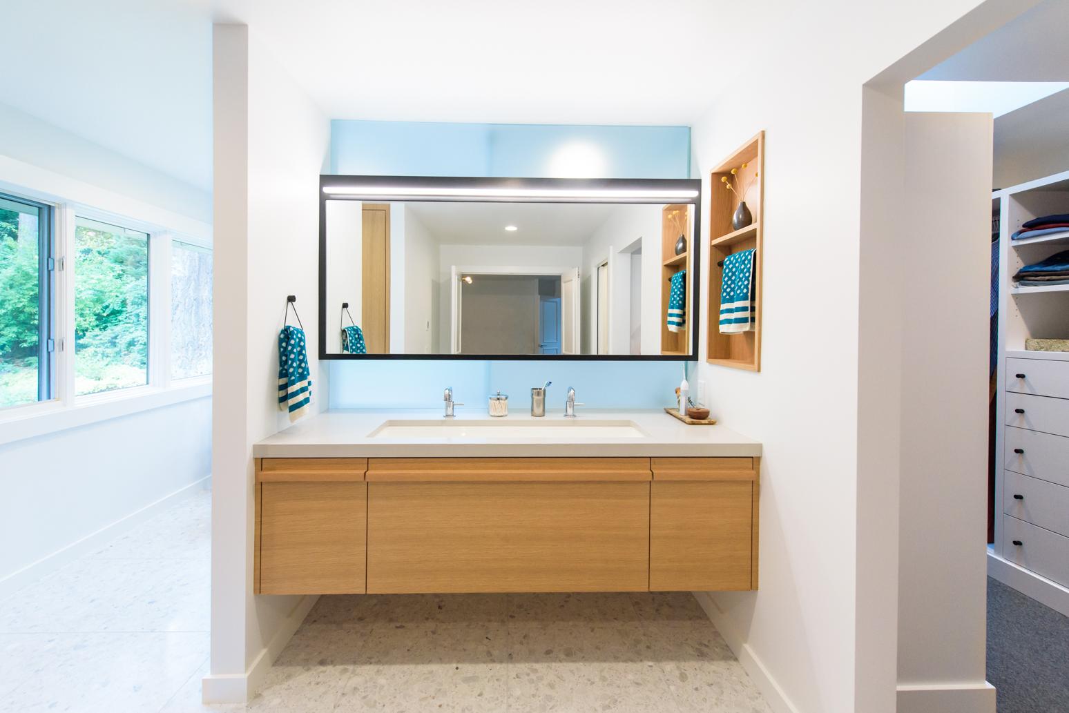 Dunthorpe Contemporary Bathroom